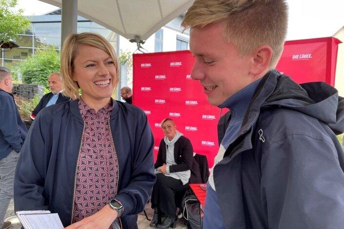 Clara-Anne Bünger im Gespräch mit Philipp Rubach. Zwei junge Ostdeutsche, die für den Bundestag kandidieren.
