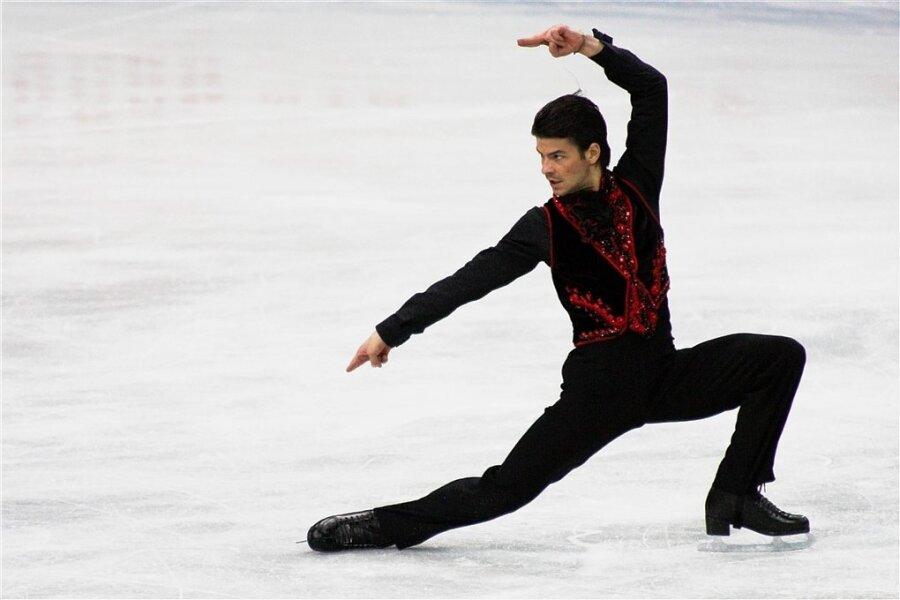 """Stéphane Lambiel bei den Weltmeisterschaften 2008 in Göteborg während der Kür zur Musik """"Poeta"""" von Vicente Amigo. Die Choreografie stammte von Flamenco-Tänzer Antonio Najarro."""