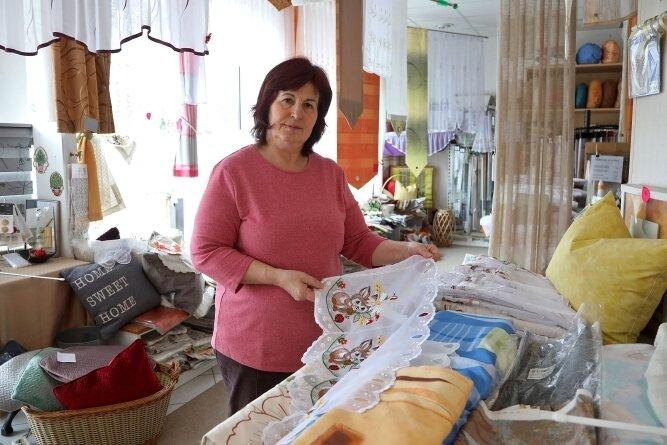 Hier hat Petra Kleindienst 32 Jahre lang gearbeitet. Jetzt muss sie das Gardinen-Geschäft in Wüstenbrand aufgeben.