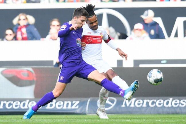 Daniel Didavi (r.) traf gegen den FC Erzgebirge Aue doppelt.