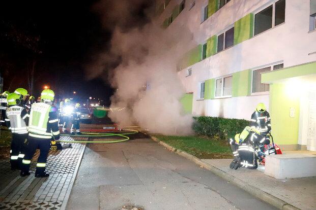 Der Keller von einem Mehrfamilienhaus an der Usti nad Labem Straße in Chemnitz brannte.