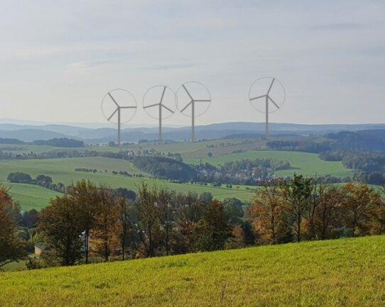 Mit diesem bearbeiteten Bild versuchte Bürgermeister Sylvio Krause zu zeigen, wie sich die Windkraftanlagen auf den Blick von der Dittersdorfer Höhe zum Erzgebirgskamm auswirken würden. Trotz des Versuchs, den Angaben zu entsprechen, könnten Standort und Höhe der visualisierten Windräder womöglich nicht ganz genau den Plänen entsprechen.