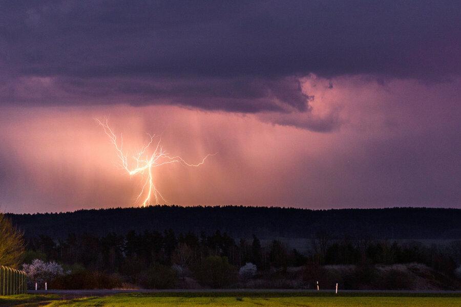 DWD warnt: Starke Gewitter im Anmarsch