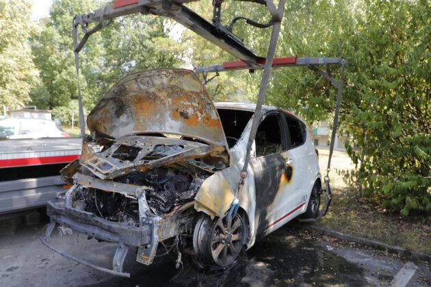An der Wilhelm-Firl-Straße brannte in der Nacht zu Mittwoch ein Hyundai.