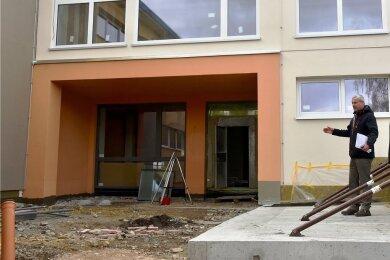 Die Kita der Bona-Vita-Gesellschaft am Hohen Hain in Limbach-Oberfrohna wurde saniert. Der Eingangsbereich ist dabei komplett umgestaltet worden.