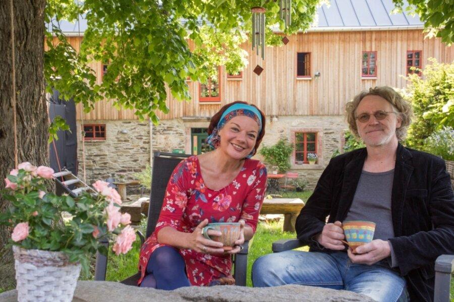 Annett Illig und Hendrik Frey planen wieder Veranstaltungen auf dem Lebenswerkstatthof in Mildenau.