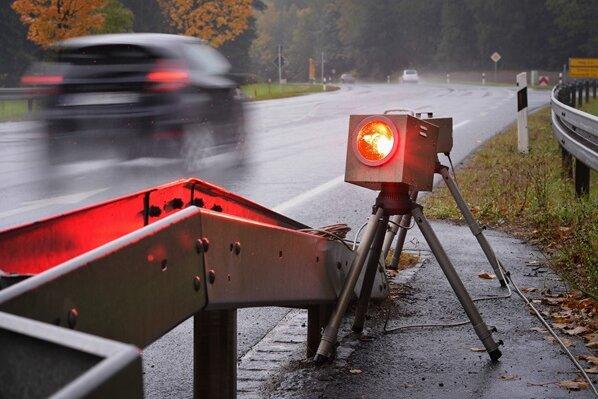 Motorradfahrer in Stollberg fast dreimal so schnell wie erlaubt