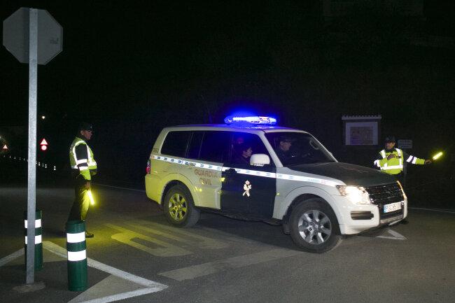 Die Guardia Civil patrouilliert in der Nähe des Brunnenschachts, in dem Rettungsteams den Körper des toten Julen gefunden haben.