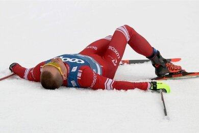 Der Russe Alexander Bolschunow hatte sich auf der 15-Kilometer-Distanz völlig verausgabt.