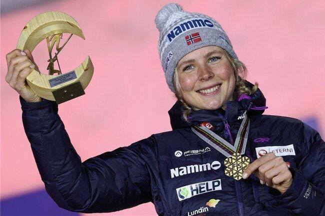 Ende gut, alles gut: Norwegens Maren Lundby mit dem ersten Großschanzen-Gold der Damen in der WM-Geschichte.