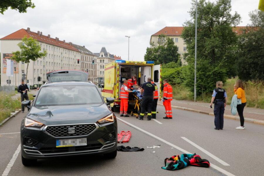 Kind wird von Auto angefahren und schwer verletzt