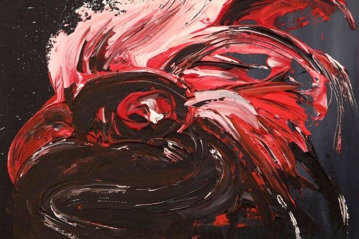 Der Hahnenkopf von Karla Anders erinnert an den expressionistischen Stil des Gersdorfer Altmeisters Heinz Tetzner.