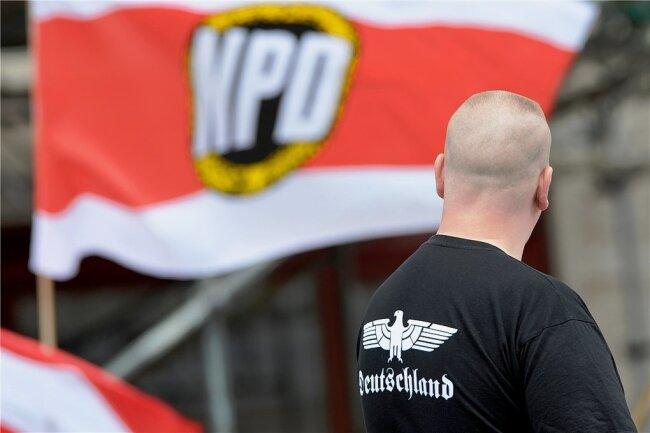 Rechtsextremismus wird zunächst der Schwerpunkt für das neue sächsische Demokratie-Institut sein. Aber auch andere antidemokratische Bestrebungen sollen die Forscher analysieren.