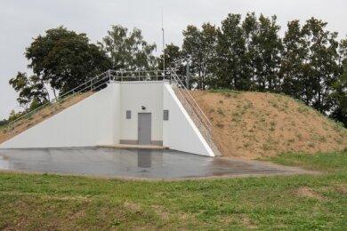 Auf dem Pfaffenberg bei Hohenstein-Ernstthal hat der regionale Wasserversorger einen neuen Behälter gebaut.