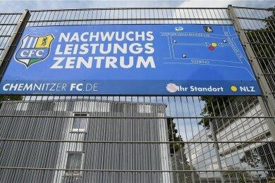 Blick auf das Nachwuchsleistungszentrum des Chemnitzer FC im Sportforum: Sowohl der amtierende Vereinsvorstand als auch die Gesellschafter der Fußball-GmbH erklären ihre Bereitschaft, die Einrichtung zu erhalten.