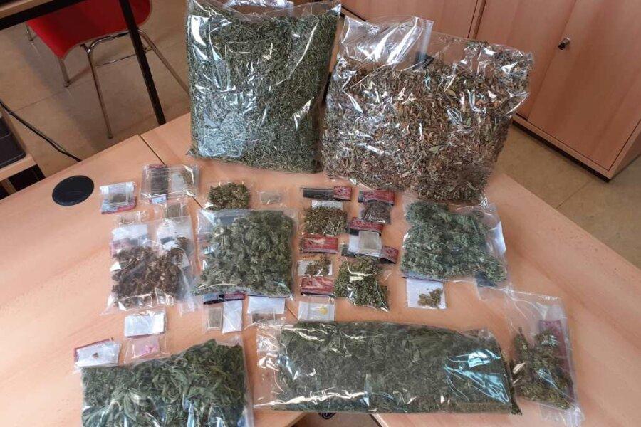 Mehr als ein Kilogramm Marihuana: Polizei findet Drogen in Mittweidaer Wohnung