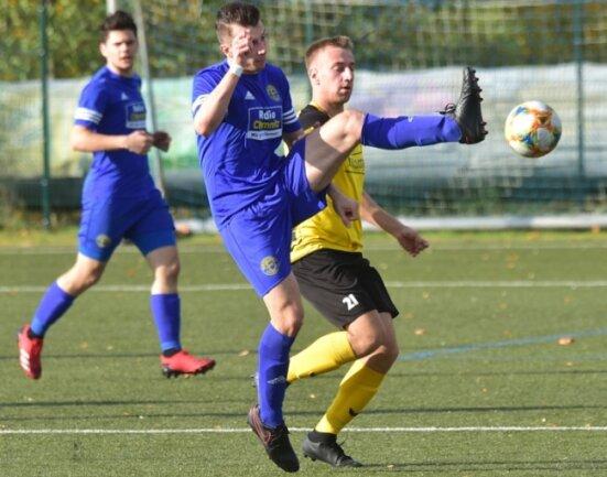 BSC-Spieler Patrice Göll (gelb) musste das Spielfeld nach eine Unsportlichkeit frühzeitig mit Gelb-Rot verlassen.