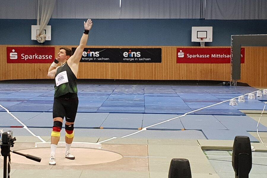 Gleich im ersten Wurf hatte David Storl mit einer Weite von 21,12 Meter die Messlatte für die Konkurrenz der Männer hoch gelegt.