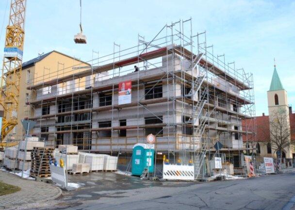 An der Ecke Marien-/Elisabethstraße entsteht der erste Neubau der Wohnungsbaugenossenschaft Reichenbach seit der Wende.