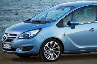 Nach einer Modellpflege wieder neu am Markt: der Opel Meriva.