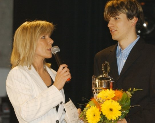 RTL-Sportredakteurin Ulrike von der Groeben moderiert die Vogtlandsportgala gemeinsam mit Organisationschef Volkhardt Kramer seit 1999. Keinen musste sie in all den Jahren öfter zum Siegerinterview beten als Björn Kircheisen. Der Nordisch Kombinierer, der in seiner aktiven Zeit dem Bundesstützpunkt Klingenthal angehörte, gewann die Umfrage nach dem Vogtlandsportler des Jahres zwischen 2001 und 2017 achtmal.