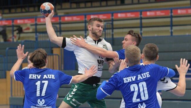 Martin Schettler erzielte beim Gastspiel im Erzgebirge drei Treffer für die Dachse. Die Freiberger dürfen sich nun auf das Spitzenspiel am kommenden Samstag gegen den HSV Bad Blankenburg in eigener Halle freuen.