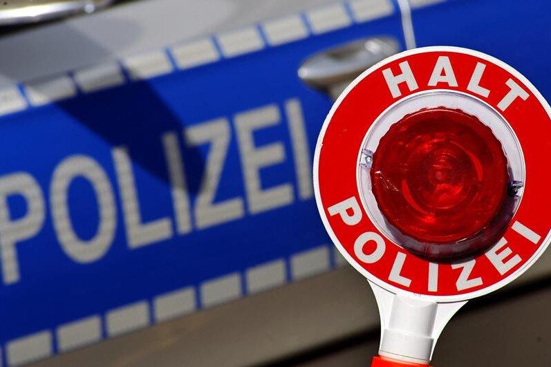 Verfolgungsjagd: 19-Jähriger rast mit bis zu 180 km/h durch Oberlungwitz