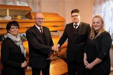 Rajko und Kathrin Müller haben die Firma an Franziska und Lars Lippert übergeben (v. l.).