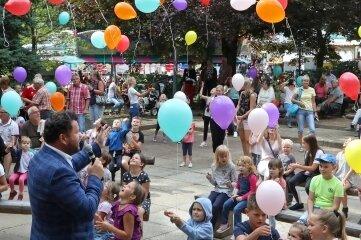Das Bergfest ist traditionell mit dem Kinderprogramm auf der Festbühne gestartet.