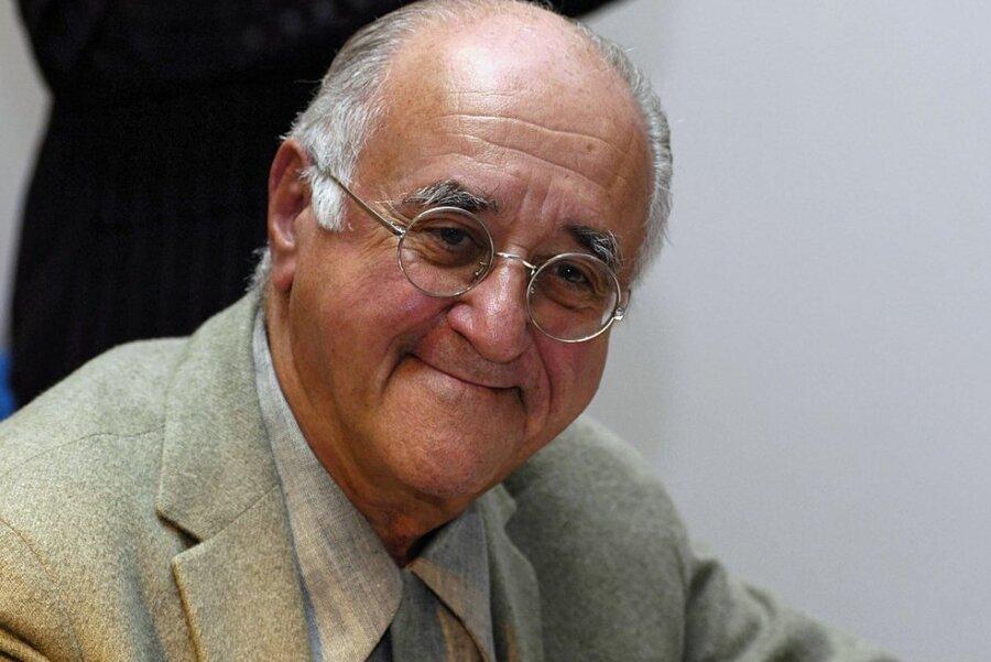 Alfred Franz Maria Biolek ist im Alter von 87 Jahren verstorben, er war Jurist, Entertainer und Talkmaster.