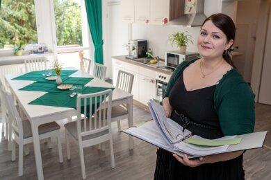 Katharina Leest, Seniorenmanagerin der Stadt Rodewisch, in der Servicestelle und zugleich Musterwohnung an der Straße der Jugend 79.