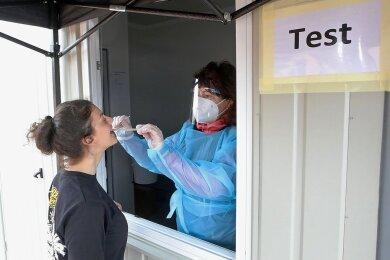 Das Testen am Container erfolgt direkt am Fenster. Nach 15 Minuten steht das Ergebnis fest.