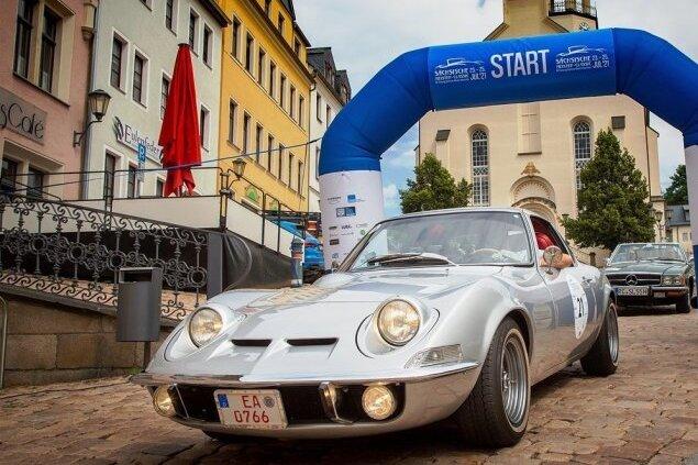 """Die """"Little Mans Corvette"""" ist fast wie eine Corvette C 3 - auf den europäischen Standard angepasst. Ein knackiges 125-PS-Auto, das Fahrspaß garantiert."""