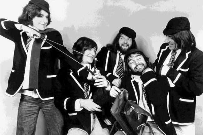 Wilde Jungs: Ray Davies, Dave Davies, John Gosling, John Dalton and Mick Avory (von links) als The Kinks.