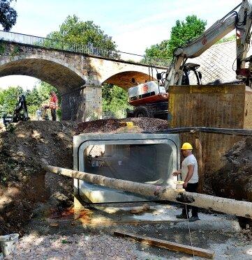 Fast drei Millionen Euro hat der Kanal unter der Mittweidaer Straße gekostet.