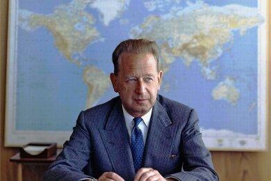 Der schwedische Diplomat Dag Hjalmar Hammarskjöld wurde im April 1953 der zweite Generalsekretär der Vereinten Nationen - bis er am 18. September 1961 bei einem Flugzeugabsturz über Afrika ums Leben kam.