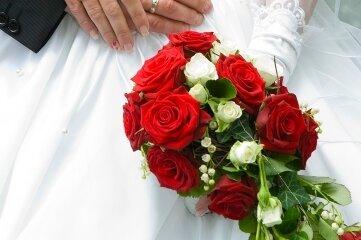 Gästeliste kürzer, Flitterwochen zum Teil ganz gestrichen. Dennoch wollten nicht alle Paare 2020 auf ihre Hochzeit verzichten.