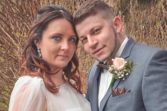 Sarah und Steven Brauße haben sich in der Villa Gückelsberg getraut.