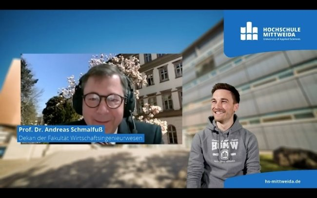 Studienberater Maximilian Benda (rechts) moderiert den Live-Stream der Hochschule. Zugeschaltet sind Vertreter der verschiedenen Fakultäten, etwa der Dekan der Fakultät Wirtschaftsingenieurwesen, Prof. Dr. Andreas Schmalfuß.