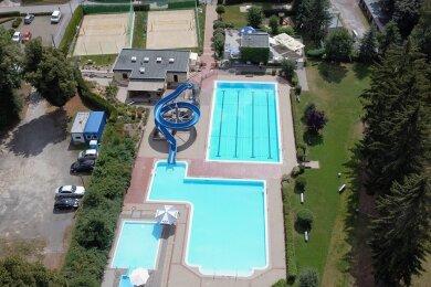 Etwa 130.000 Euro muss die Gemeinde jährlich zuzahlen, um das Freibad zu betreiben.