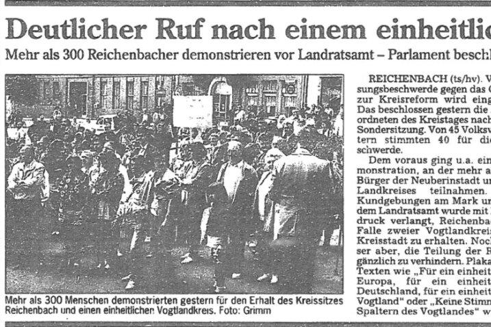 """So berichtete die """"Freie Presse"""" über die erste Demonstration vom 6. Juni 1994 in Reichenbach."""
