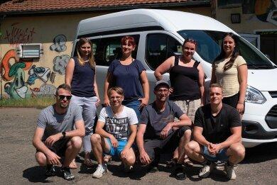 Endlich wieder mobil. Das Team des Vereins für offene Jugendarbeit Reichenbach freut sich über den Ford Transit, mit dem die mobile Jugendarbeit einen neuen Impuls bekommt.