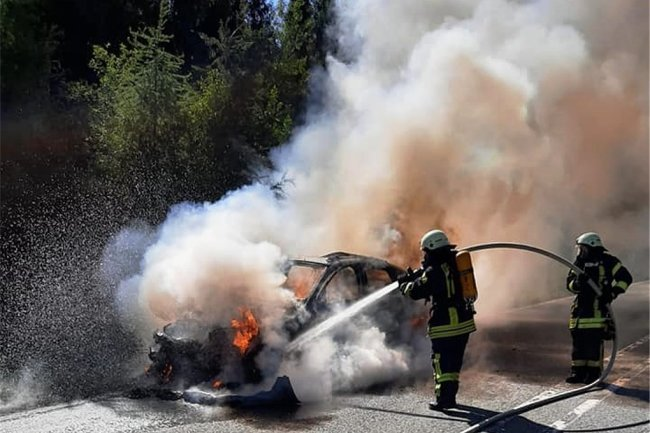 Die Kameraden der Feuerwehr Marienberg haben den Brand schnell unter Kontrolle gebracht.