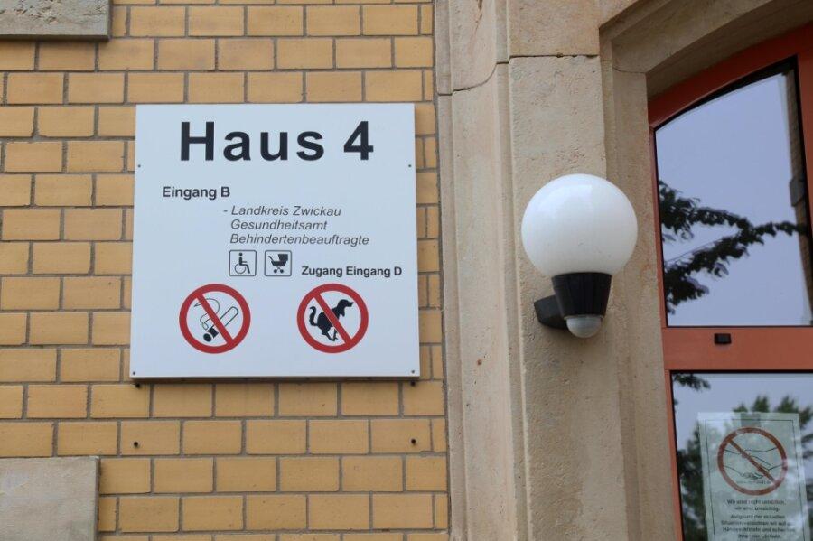 Eingang zum Gesundheitsamt Zwickau