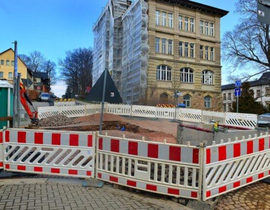 Nach einem Wasserrohrbruch an der Leisniger Straße in Mittweida musste dort eine Baustelle eingerichtet werden.