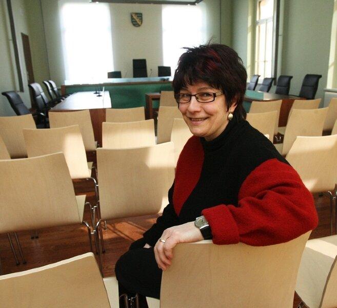 """<p class=""""artikelinhalt"""">Hier will niemand gern hin: Friedensrichterin Karin Seidel hilft, dass ein Streit außerhalb des Gerichtssaals entschieden wird. </p>"""