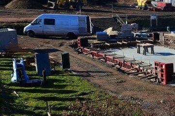 Seit September wird das Freibad Hainichen für zwei Millionen Euro saniert. Geplante Fertigstellung ist noch in diesem Sommer.
