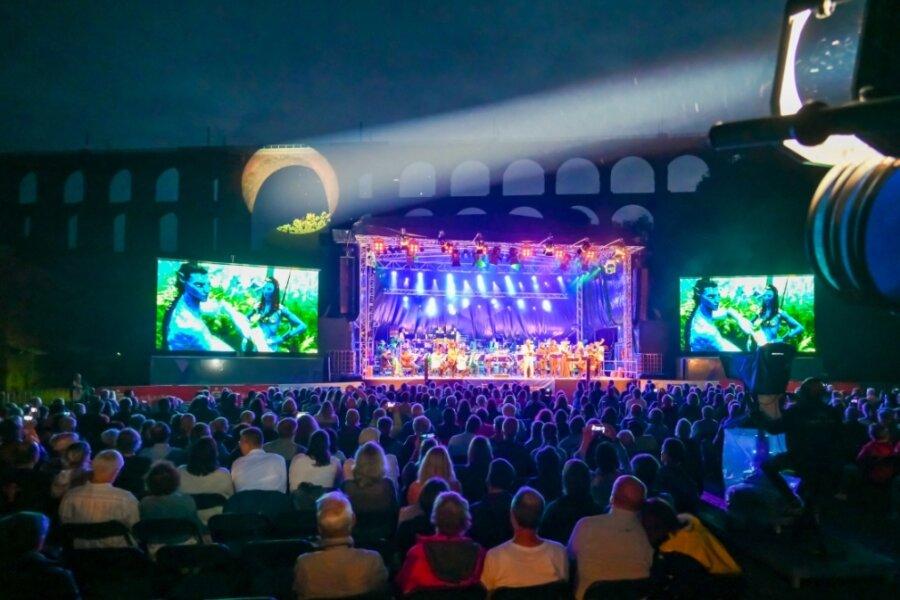 Lichteffekte schufen beim Konzert der Vogtland Philharmonie zusätzlich Atmosphäre.