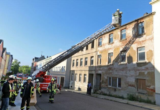 Zum Einsatz am Freitagmorgen rückten alle Feuerwehren von Hohenstein-Ernstthal, Wüstenbrand und Oberlungwitz aus.