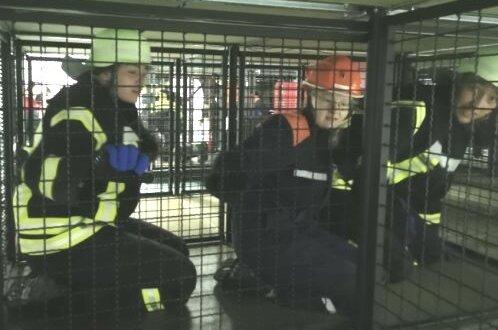 Neben der Ausbildung nicht minder spannend für den Feuerwehr-Nachwuchs aus dem Erzgebirge: die Stippvisite in der Landesfeuerwehrschule, zu der unter anderem eine Atemschutzübungsanlage gehört.